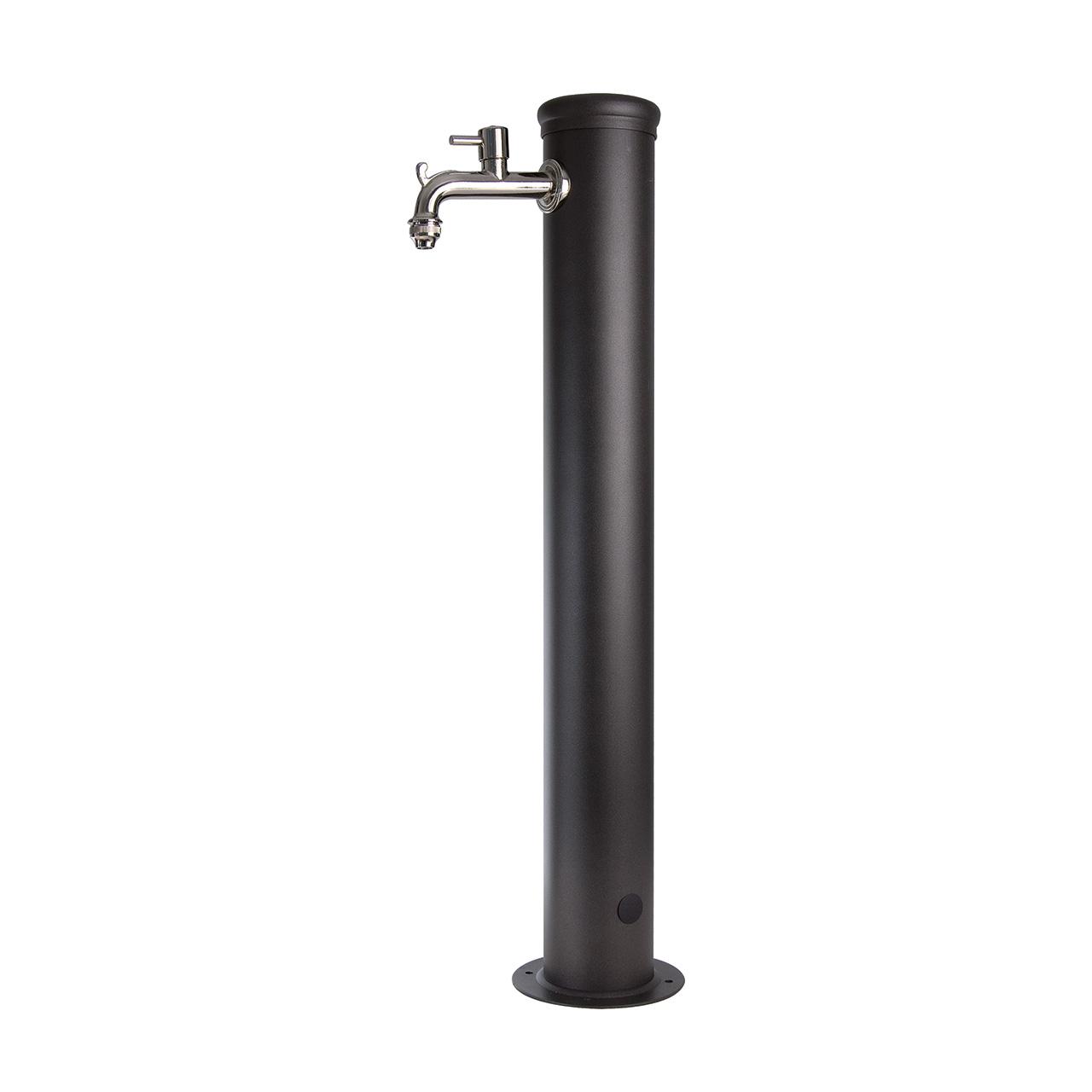 Fontana in ferro con impianto e rubinetto